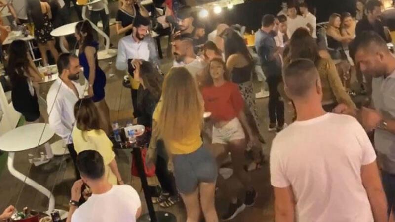 """İstanbul Boğazı'nda """"yüzen kulüplerde"""" salgına rağmen yat partileri"""
