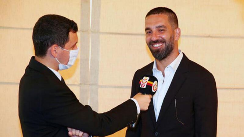 Galatasaray, Arda Turan'ı kadrosuna kattığını resmen duyurdu