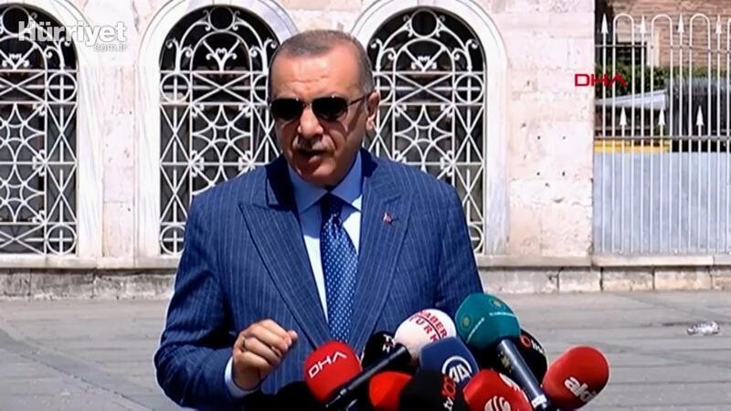 Cumhurbaşkanı Erdoğan, cuma namazı çıkışı soruları yanıtladı