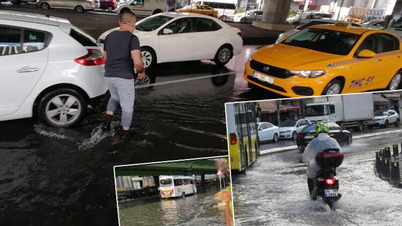 Üsküdar ve Mecidiyeköy'de yollar su altında kaldı, araçlar güçlükle ilerledi