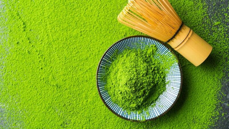 Göz alıcı yeşil rengiyle nereden çıktı bu matcha çayı?