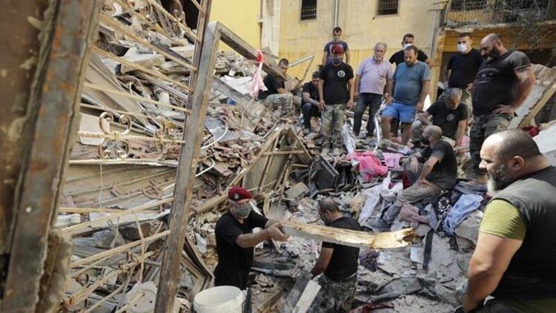 Beyrut'taki patlamadan bir ay sonra enkaz altından nabız sinyalleri alındı