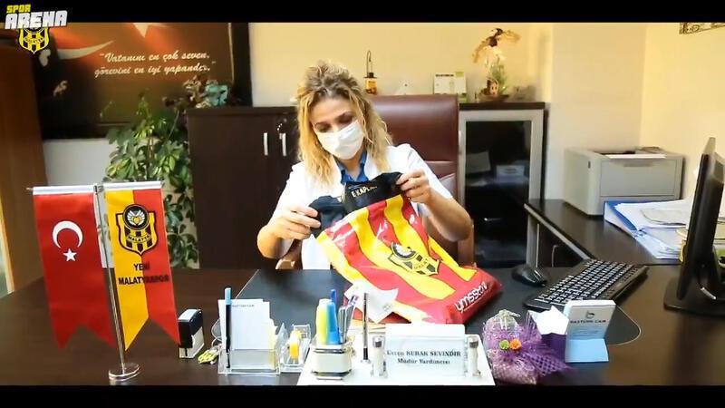 Yeni Malatyaspor yeni formalarını sağlık çalışanlarına ithaf etti!