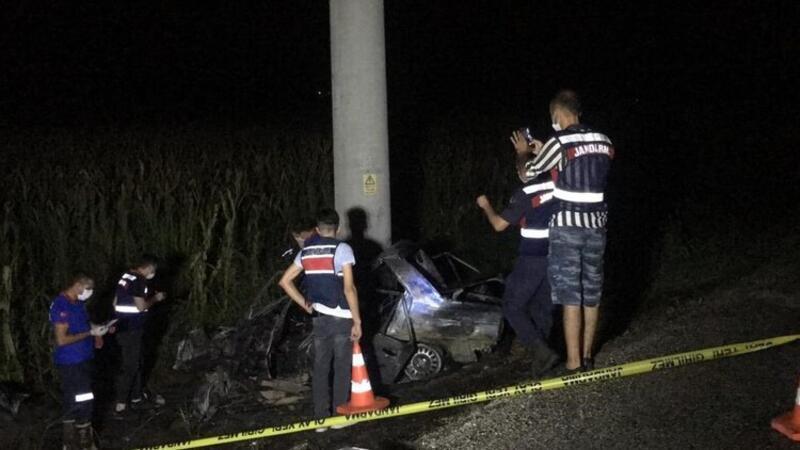 Direğe çarpıp, alev alan otomobilin sürücüsü öldü