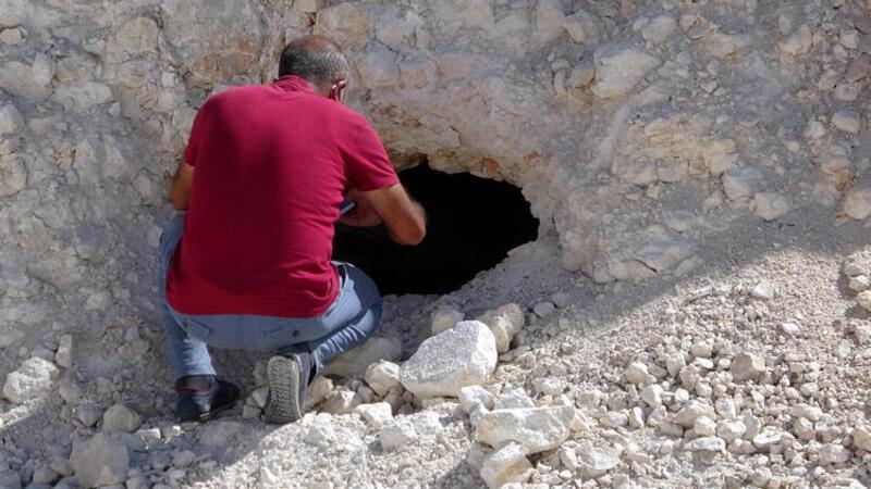 Van'da yol çalışmasında Urartular dönemine ait 2 kaya mezarı bulundu