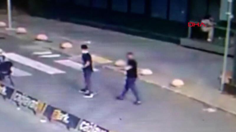 İstanbul Adalet Sarayı önünde çıkan silahlı kavga mobese kamerasında