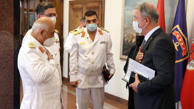 Bakan Akar ile Libya Deniz Kuvvetleri Komutanı arasında kritik görüşme