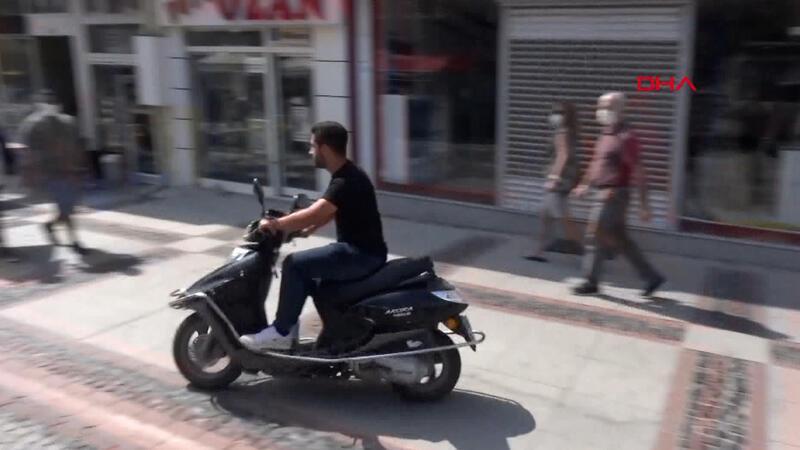 Maskesiz motosiklet sürücüsü 'Hemen geliyorum' diyerek kaçtı