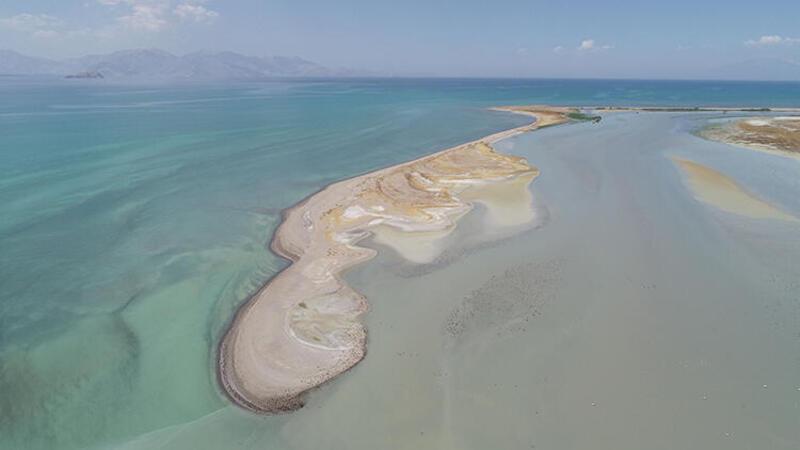 Prof. Dr. Alaeddinoğlu: İklim değişikliğiyle Van Gölü büyük tehlike altında