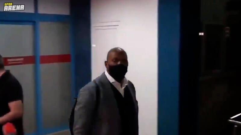 Trabzonlu gazeteciler, siyahi bir yolcuyu yeni transfer Afobe ile karıştırdı