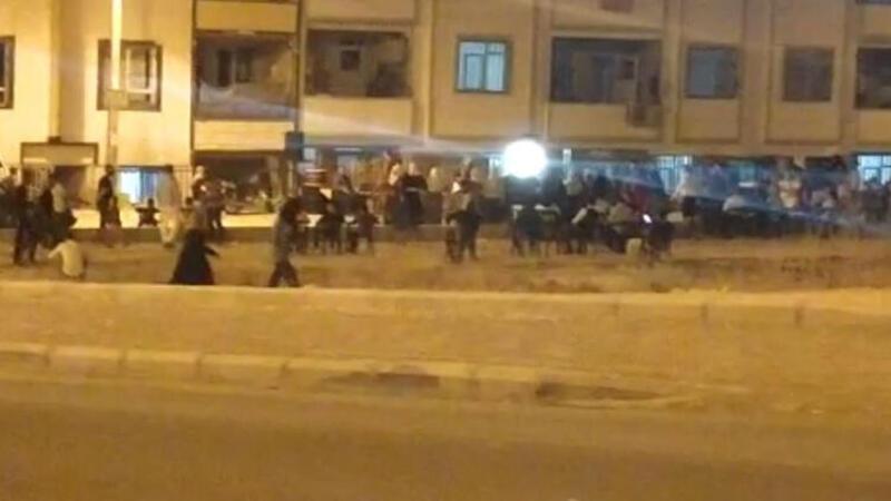 Görüntüler Şanlıurfa'dan... Yasağa rağmen sokak düğünü yaptılar