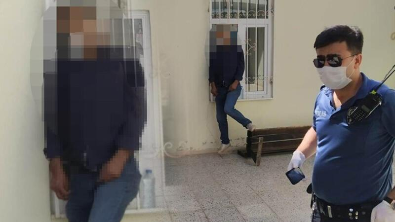 Namaza giden cemaat pencerede asılı erkek cesedi buldu
