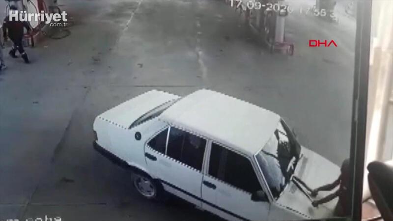 Tartıştığı istasyon çalışanına otomobiliyle çarptı