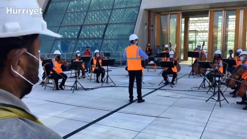 Construction workers get classical music treat