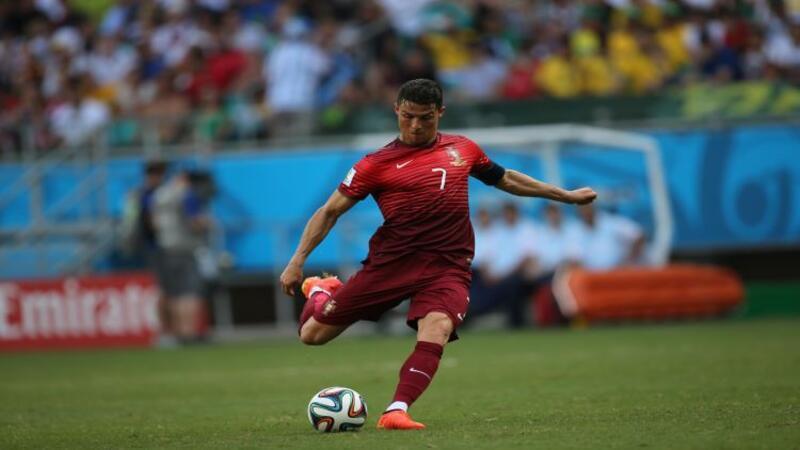 En iyi futbolcular listesi- Dünyanın ve Türkiye'nin en iyi 10 futbolcusu