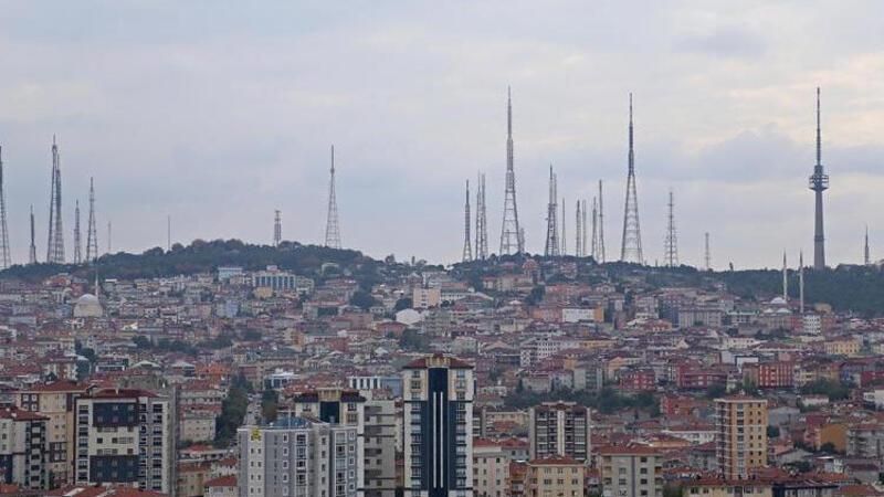 Ulaştırma ve Altyapı Bakanı Karaismailoğlu, Çamlıca Tepesi'nde incelemelerde bulundu