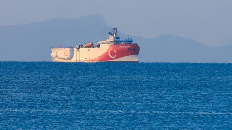 Yeni NAVTEX'in ardından Oruç Reis gemisi limandan ayrıldı