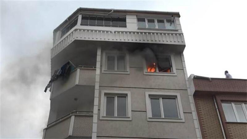 Son dakika! Esenyurt'ta daire yangını