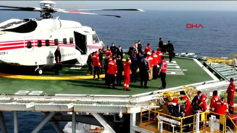 Cumhurbaşkanı Erdoğan Fatih sondaj gemisini ziyaret etti