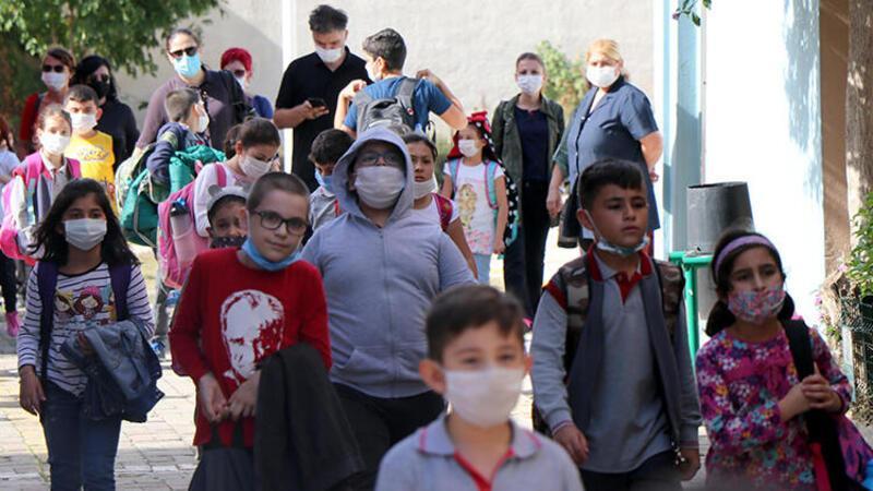 Prof. Dr. Ertuğrul: Maske değiştiren çocukların hastalık bulaştırma riski var