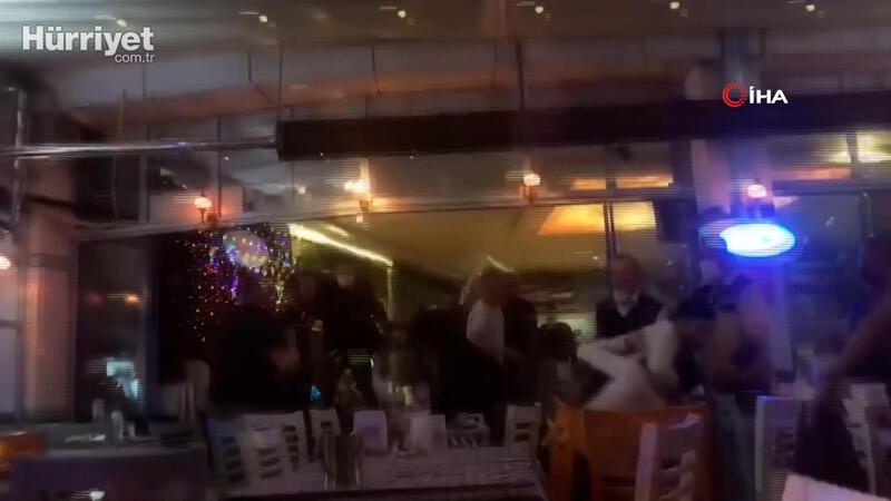 Eğlence mekanının savaş alanına döndüğü kavga kamerada