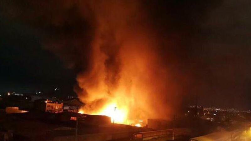 Konteynere atılan ateş, 2 fabrikayı yaktı