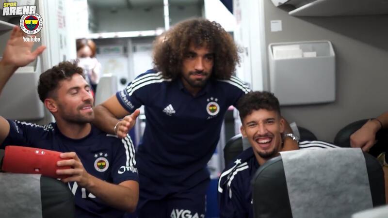 Göztepe dönüşü Fenerbahçe kafilesinde keyifli anlar!