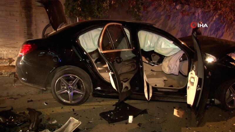 Ankara'da 2 araç kafa kafaya çarpıştı: 1'i ağır 5 yaralı