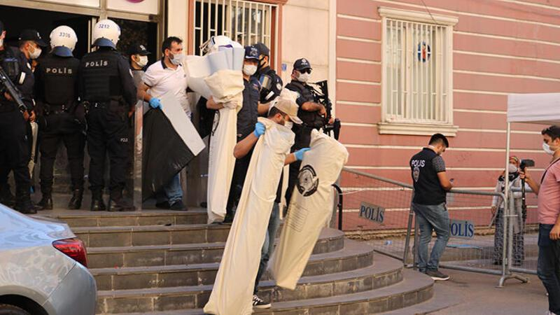 HDP Diyarbakır İl Başkanlığı ve Yenişehir İlçe Başkanlığı binalarına operasyon