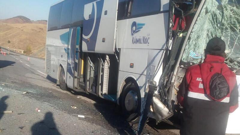 Son dakika haber... Sivas'ta yolcu otobüsü kazası: 6 yaralı