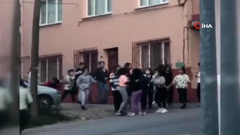 Bursa'da liseli kızlar birbirine girdi