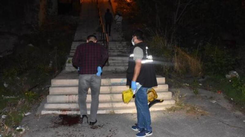 Kuzenini bıçaklayıp tüfekle vurarak yaraladı, eve gidip duş aldı