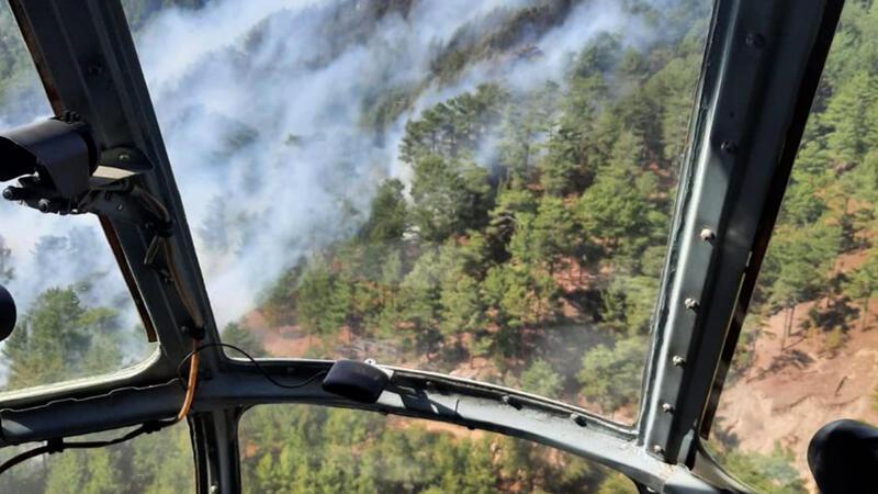 Mersin'de yangın, yerleşim yerlerini tehdit ediyor