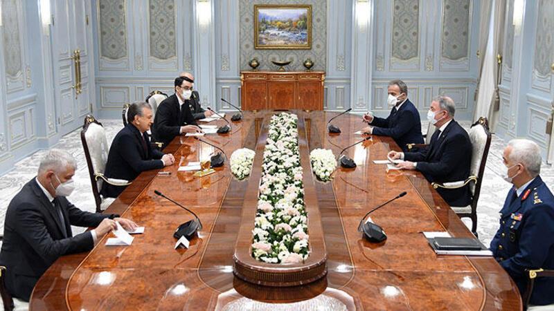 Bakan Akar, Özbekistan Cumhurbaşkanı Mirziyoyev ile görüştü