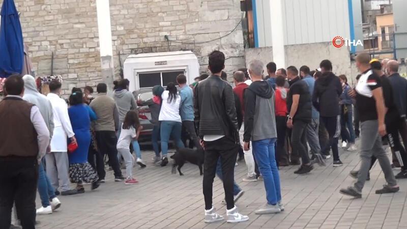 Taksim'de çaycıların kavgası kamerada
