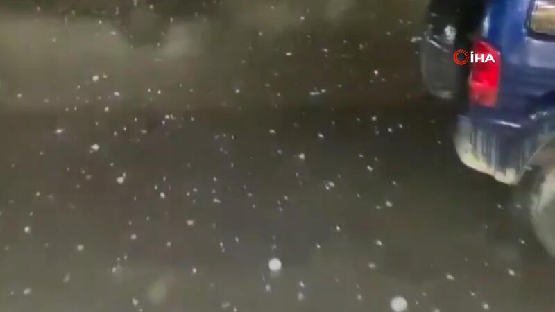 Libya'da ceviz büyüklüğünde dolu yağdı