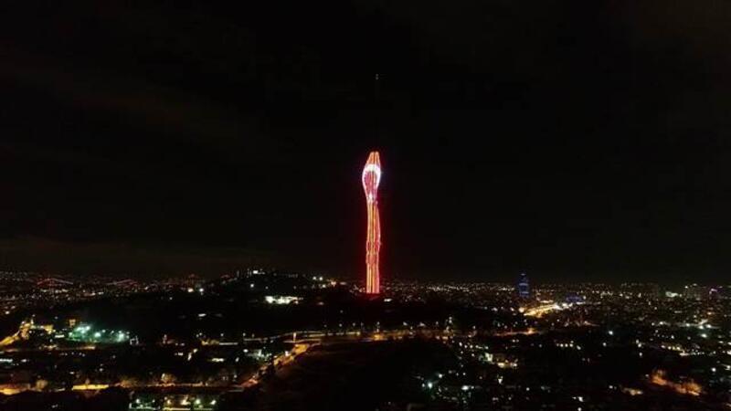 Küçük Çamlıca TV ve Radyo Kulesi'nde 'Cumhuriyet' temalı ışık gösterisi yapıldı
