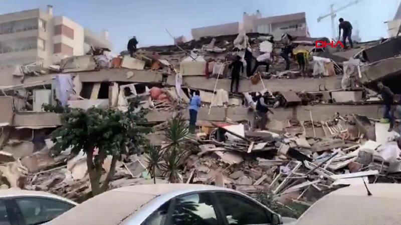 İşte deprem sonrası ilk anlar