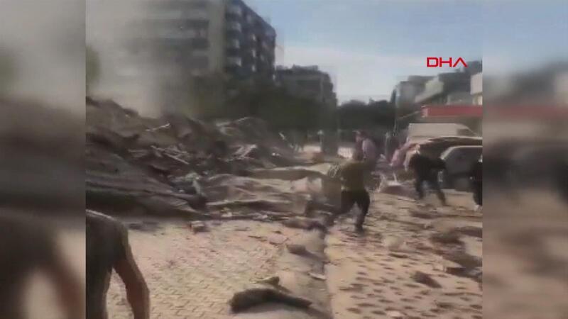 İzmir'de depremden hemen sonra çekilen görüntüler, panik anları kamerada