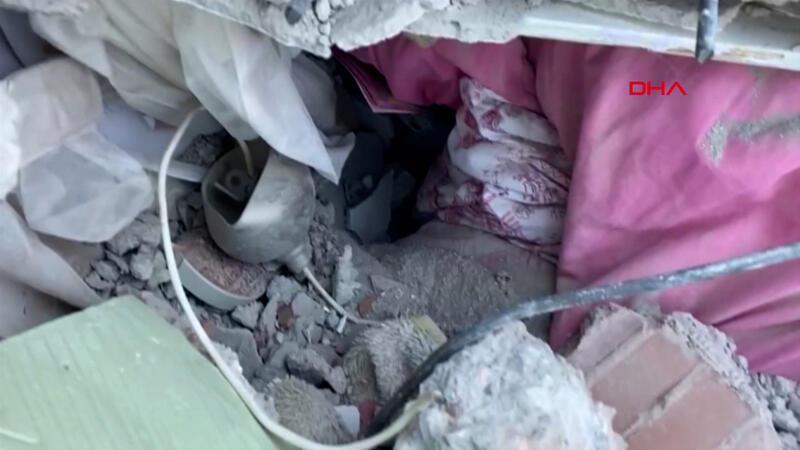 İşte 3 yaşındaki Elif'in enkaz altında yaşama tutunduğu yer!