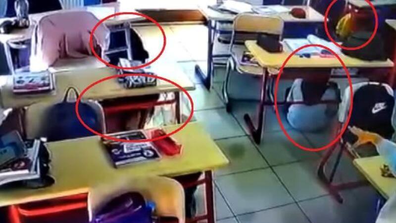 Depreme okulda yakalanan öğrencilerin bilinçli davranışları kamerada