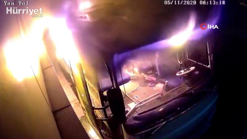 İstanbul'da midibüsün kundaklandığı anlar kamerada