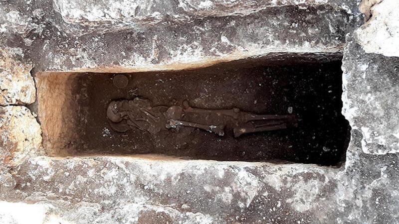 Perre Antik Kenti'nde 1500 yıllık insan iskeleti bulundu