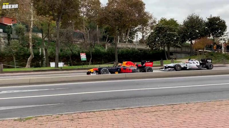 Grand Prix öncesi Pierre Gasly ve Alexander Albon İstanbul sokaklarında!