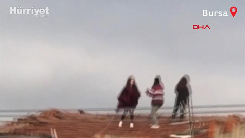Çatıya çıkıp kiremitler üzerinde dans eden 3 kızdan İlayda: Hataydı