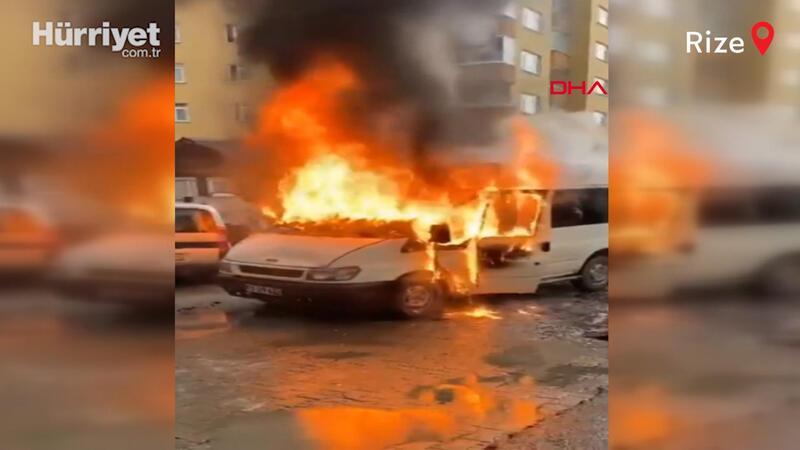 Rize'de, park halindeki minibüs alev alev yandı