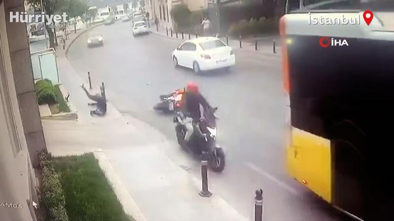 Motosiklet sürücüsü öndeki motosikleti geçmeye çalışırken kaza yaptı!