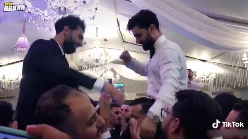 Koronavirüse yakalanan Mohamed Salah'ın düğün görüntüleri olay oldu