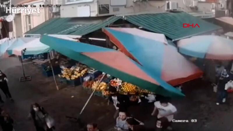 İzmir'deki deprem anı pazardaki MOBESE kamerasında