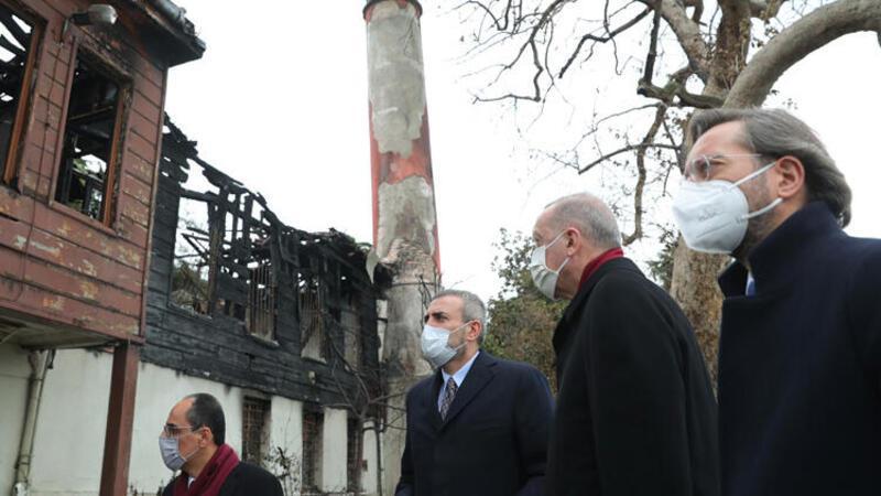 Cumhurbaşkanı Erdoğan, yanan Vaniköy Camii'ni ziyaret etti